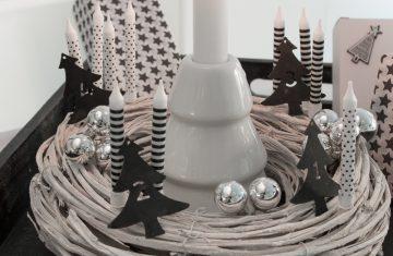 Kerzenleuchter-Tannenbaum-Weiß-Punkte-Streifen-Idee-Kerzen-Kerzenschein-Inspiration-Adventskranz-Alternative-Advent-hygge-Weihnachten