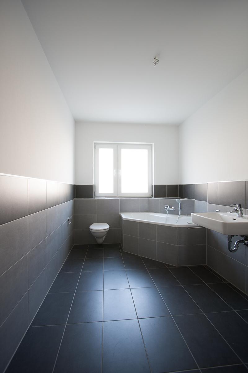 Badezimmer-einrichten-Badezimmereinrichtung-Vorher-Nachher-Umgestaltung-Badezimmergestaltung