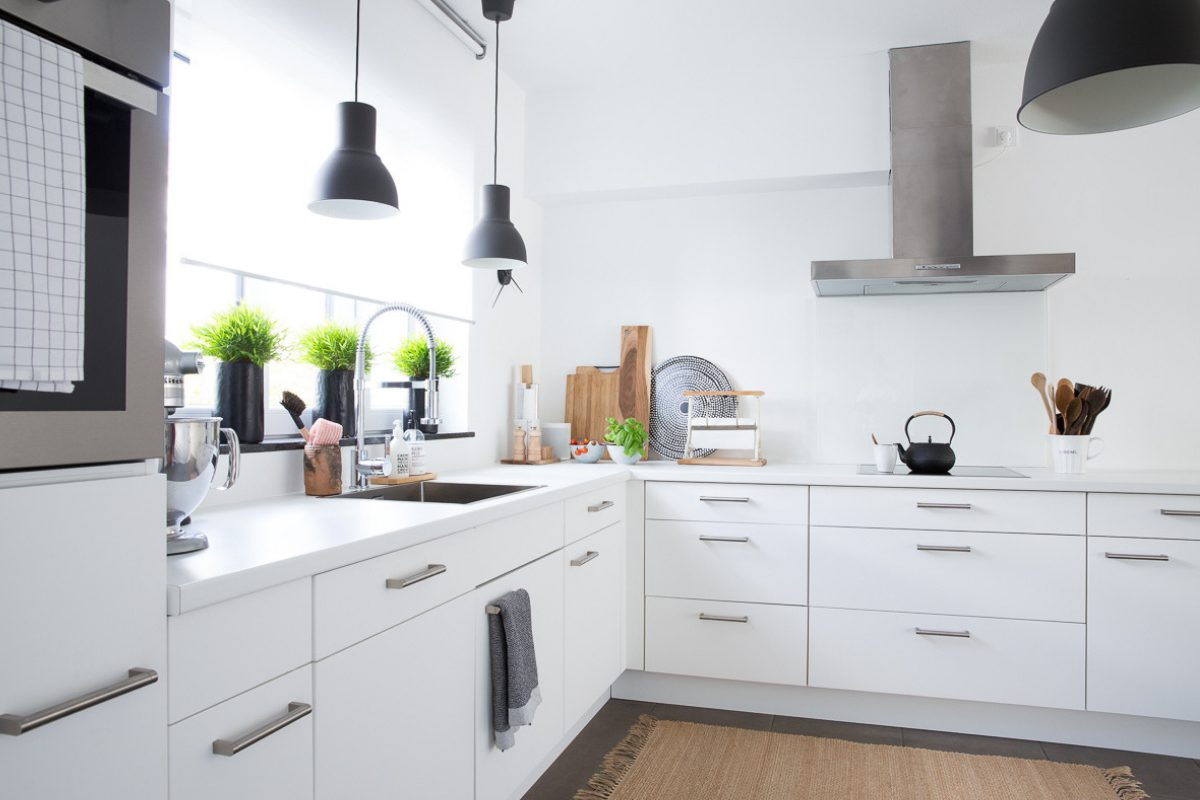 Kuche Gunstig Umgestalten Kuchenfronten Erneuern Ohne Teuren Austausch Raumkronung Wohnblog Wohnberatung Einrichtungstipps