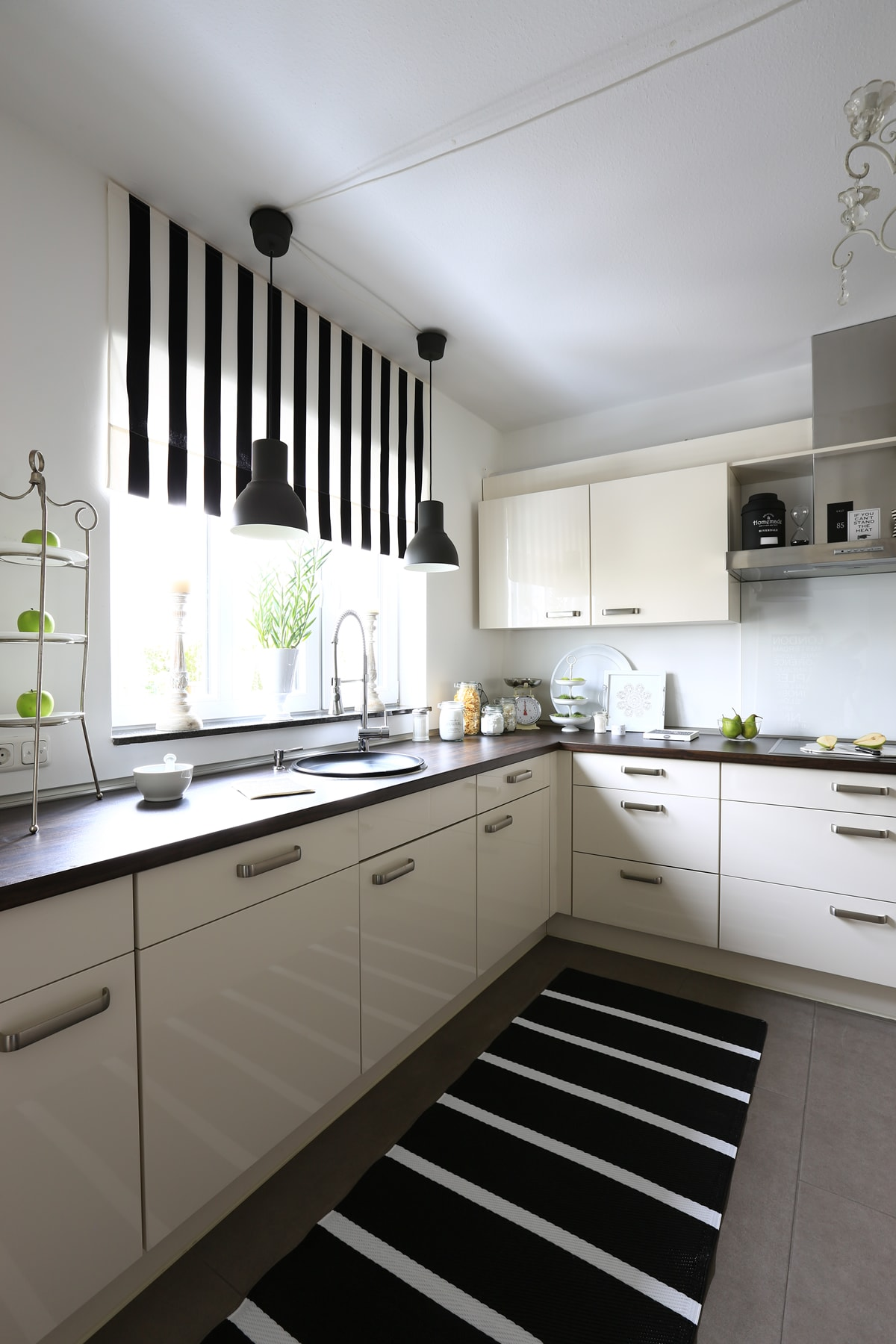 Küche günstig umgestalten I Tipps für die Küchenfolierung I Einrichtungstipps