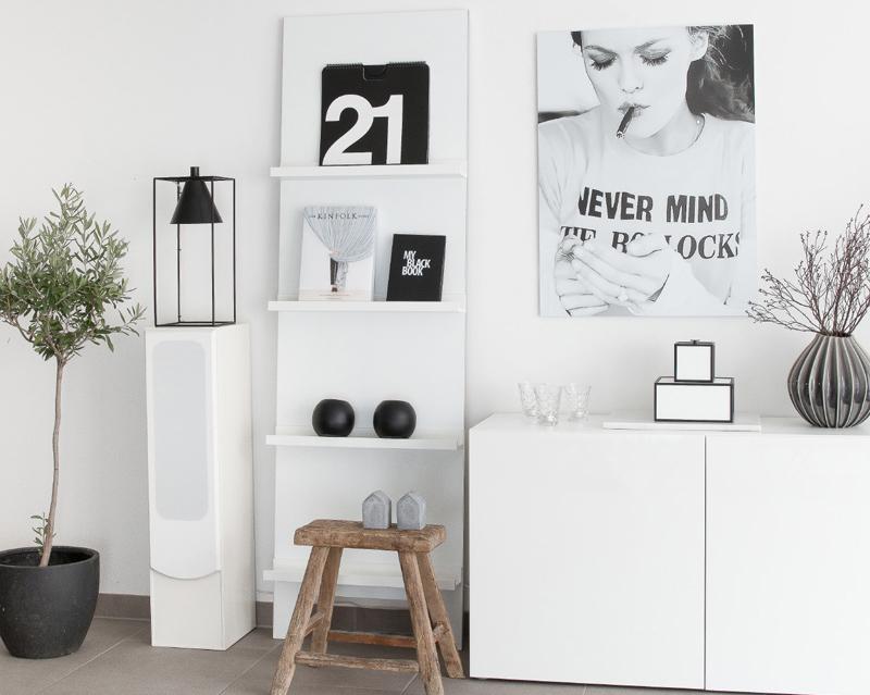 IKEA Hack: Regal günstig selber machen aus Mosslanda Bilderleisten